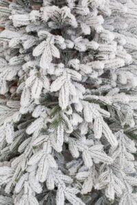 Brad de Craciun cu ace combinate 2D si 3D - ELITE - image Happy-Forest-Snow-2-200x300 on https://depozituldebrazi.ro