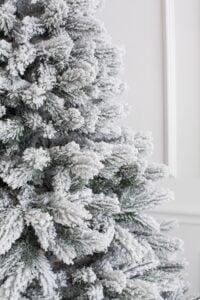 Brad de Craciun cu ace combinate 2D si 3D - ELITE - image Royal-Pine-Snow-4-200x300 on https://depozituldebrazi.ro